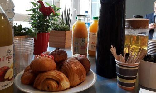 Cafet_petit-dejeuner-totem